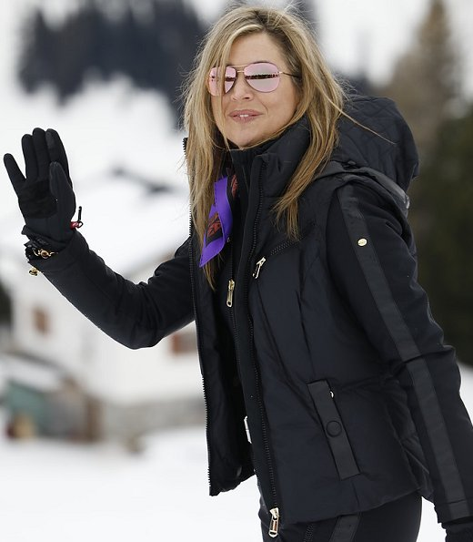 King Willem, Queen Maxima, Crown Princess Catharina-Amalia, Princess Alexia and Princess Ariane on holiday at Arlberg Ski center in Lech