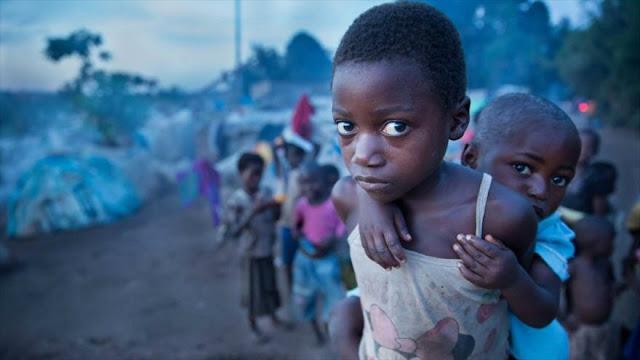 Niños desplazados en un campo de refugiados en la República Democrática del Congo