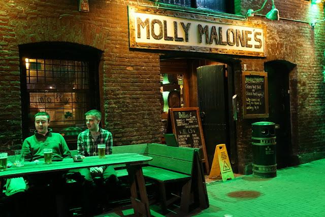 pub irlandês Molly Malone's em Amsterdam