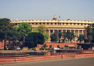 दिल्ली में लॉकडाउन: बसें और दफ्तर बंद साथ ही बॉर्डर सील, जाने लॉकडाउन क्या-क्या रहेगा बंद