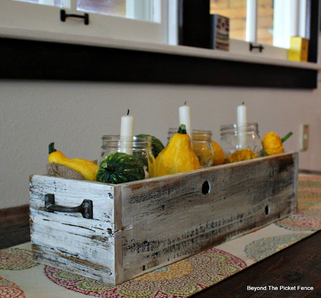 crate, reclaimed boards, candle box, centerpiece, fall decor, https://goo.gl/cdoqCj
