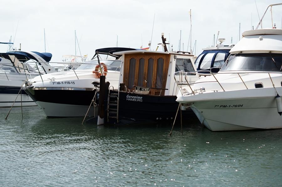 Blog + Fotografie by it's me! - Reisen - La Isla Blanca Ibiza, Santa Eurlaria - Yachten in der Marina