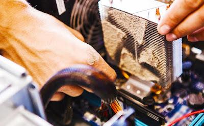 komputer penuh debu menyebabkan sering hang dan restart