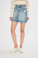 fuste-din-colectia-tommy-jeans-3