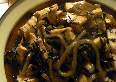 鶏肉とヒジキの煮物