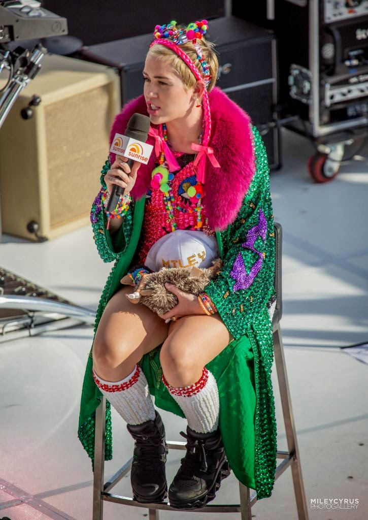 Opinion miley cyrus upskirt during vma awards can