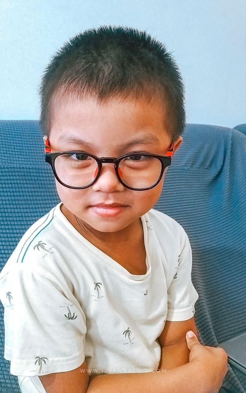 Lindungi Mata Anak Ketika Belajar Online Dengan OPTOM EYECARE