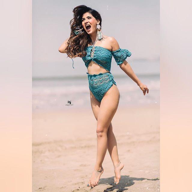 Bollywood Actress Karishma Sharma Latest Hot Stills Navel Queens