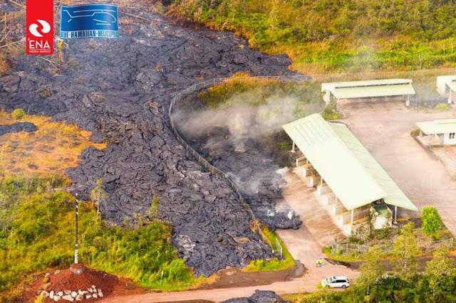 La lave du volcan Kilauea dans la déchetterie de Pahoa,13 novembre 2014