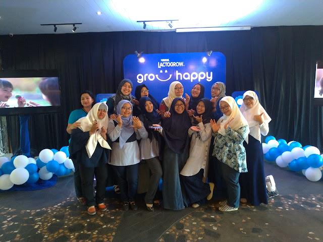 Keseruan bersama seluruh peserta workshop Nestle Lactogrow