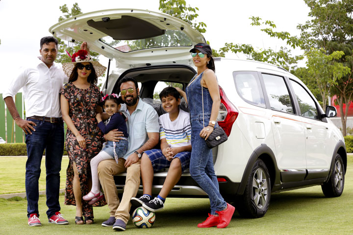 renault lodgy best family car on road stylish by nature by shalini chopra india fashion. Black Bedroom Furniture Sets. Home Design Ideas