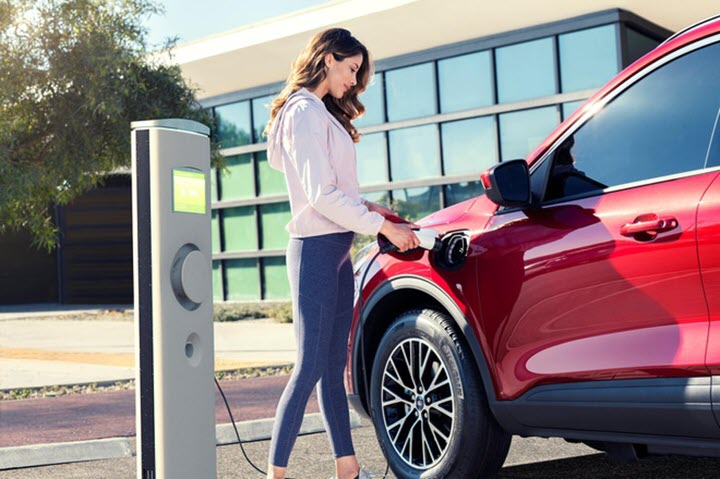 Ford Escape 2020 PHEV tiết kiệm hơn Toyota RAV4 Prime
