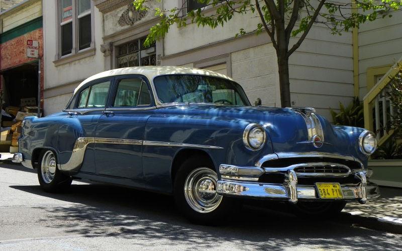 California Streets: San Francisco Street Sighting - 1954 Pontiac Chieftain