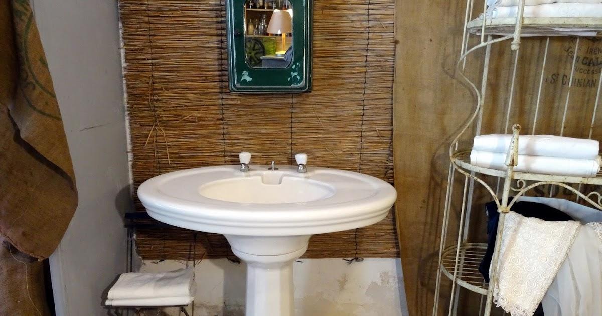 Brocante d coration un nouveau monde grande vasque de salle de bain art d co en c ramique for Luminaire salle de bain art deco
