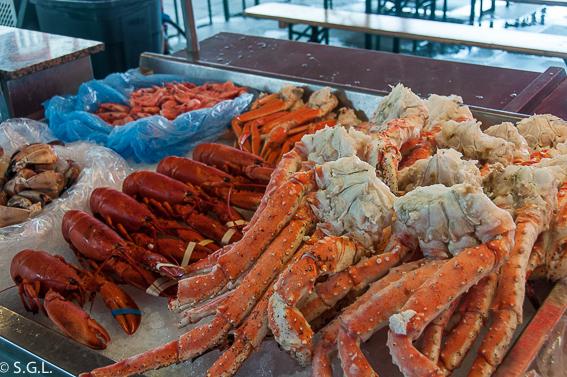 Patas de cangrejo real. Comer en Bergen. El mercado de pescado