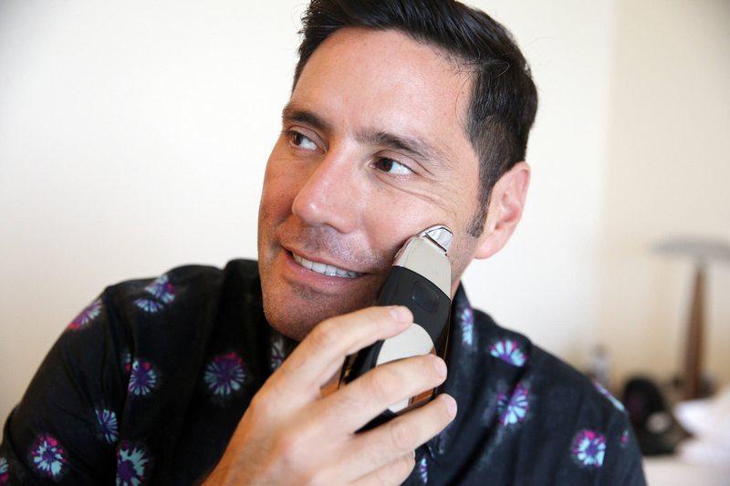 Detalles del kit de cuidado facial que ocupa Francisco Saavedra