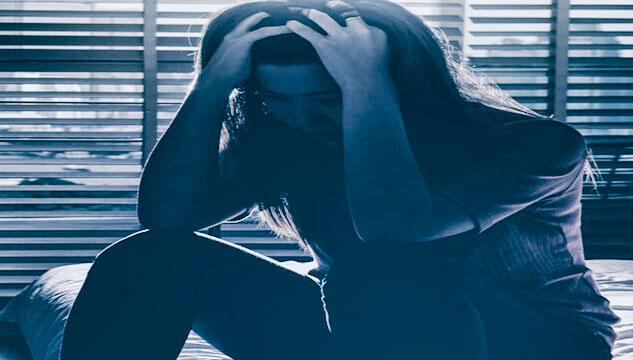 أنواع وأسباب وأعراض وعلاج الاكتئاب