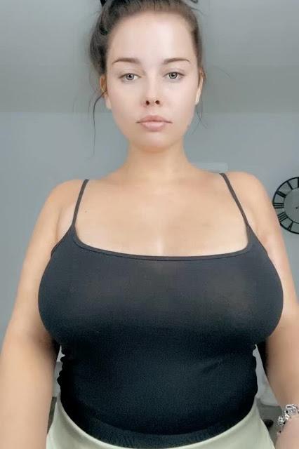 Pretty Girl Big Boobs Reveal Braless Black Tank Top