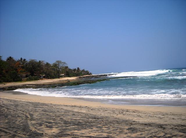 Pantai Rancabuaya serta Rute Aksesnya