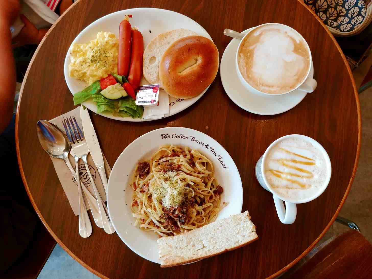 breakfast set at The Coffee Bean and Tea Leaf