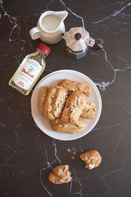 Biscottoni al caffè leggeri e friabili