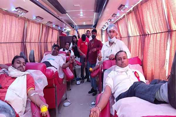dlsa-creative-lawyers-front-faridabad-blood-donation-camp