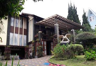 Villa Gartik Istana Bunga Lembang