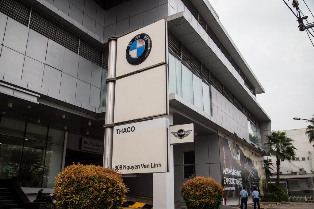 Số phận trái ngược của BMW và Mercedes sau hơn 20 năm tại Việt Nam