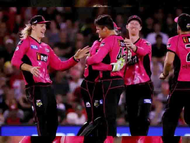 The Sydney Sixers sent the Melbourne Renegades into a spin