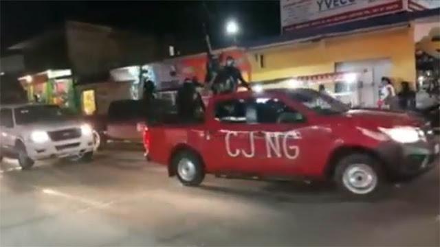 """VIDEO: """"Puro Cartel de Jalisco ya estamos aquí venimos por todos los Zetas"""", Convoy del CJNG anuncia su llegada a Loma Bonita, Oaxaca"""