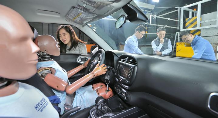 현대·기아자동차, 복합충돌 에어백 시스템 세계 최초 개발