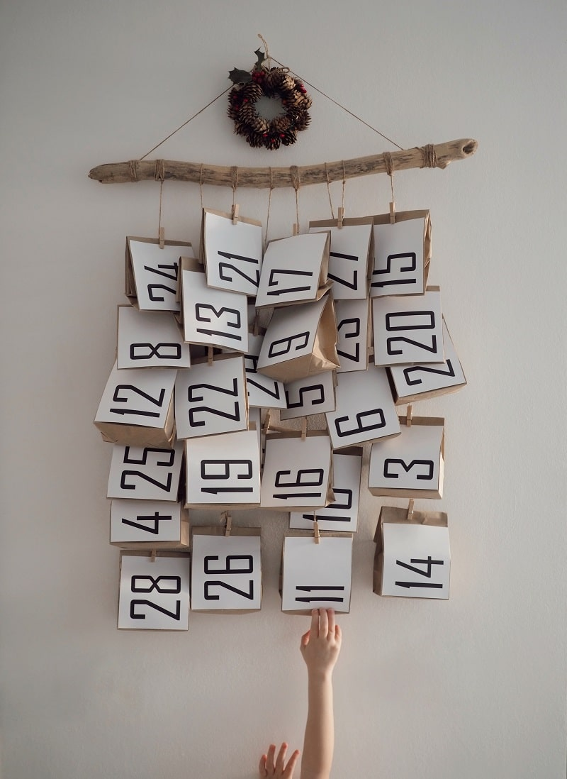 diy advent calendar with numbered bags