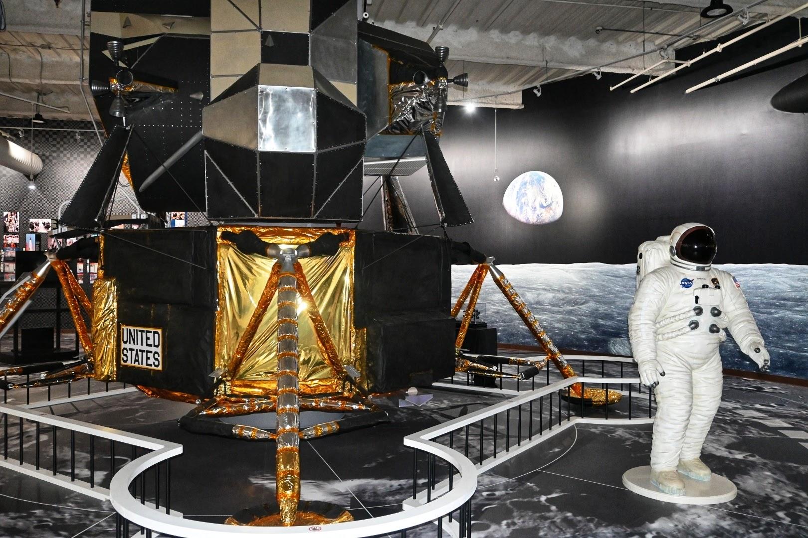 Apollo 11 at Computer Museum of America