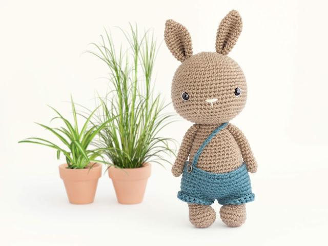 amigurumi-bunny-conejo-crochet-pumpkin