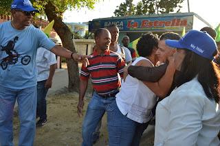 Manuel Jiménez realiza recorrido por comunidad de San Isidro
