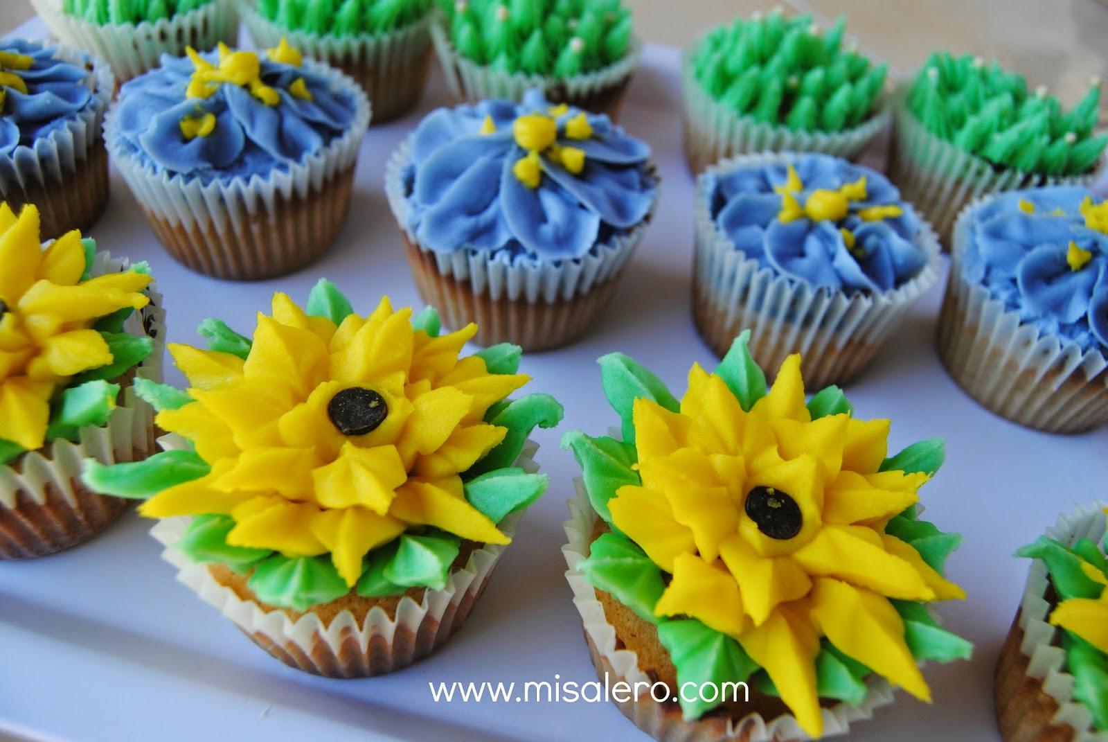 http://www.misalero.es/2014/12/cupcakes-de-vainilla-de-peggy-porshen.html
