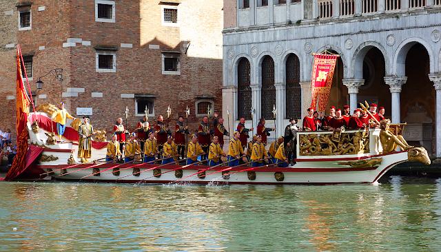 Regata Storica se opět vrací do Benátek