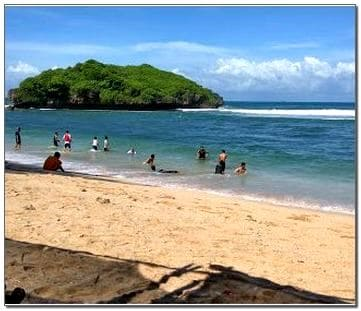 Pantai Sadranan Wonosari