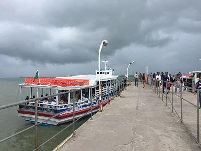 Mar Grande. Itaparica. Brasil. Muelle