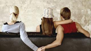 Ciri-Ciri Suami Selingkuh Dan Cara Menghadapinya