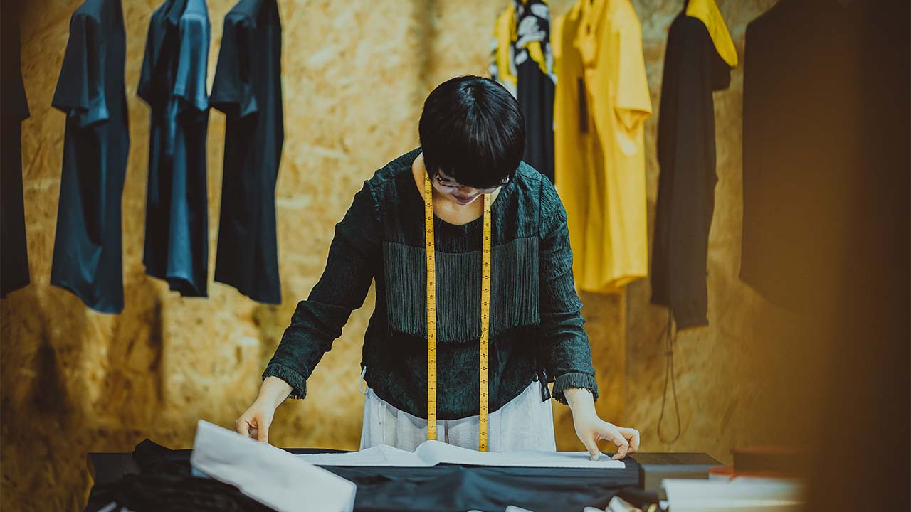 4 Faktor Penting dalam Memilih Supplier Kaos Polos