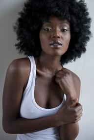 noirs cheveux long naturel