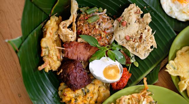 warung penjual makanan khas jawa timur
