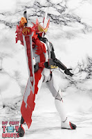 S.H. Figuarts Kamen Rider Saber Brave Dragon 17