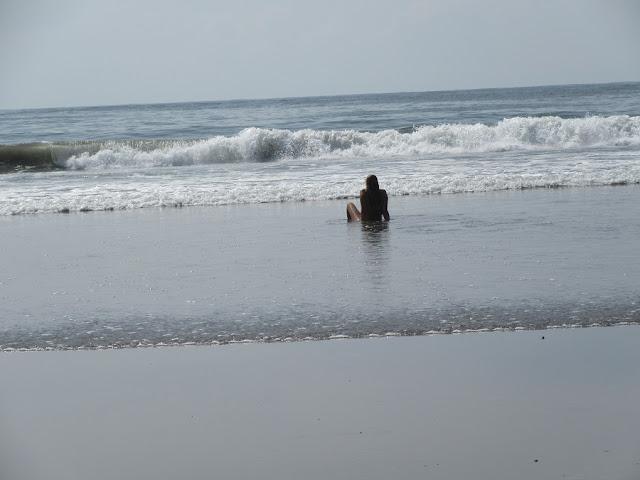 relaxen im Meer in Costa Rica, Samara
