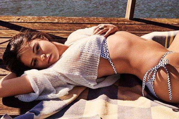 Selena Gomez luce extremadamente sexy en las nuevas fotos para la revista GQ (FOTOS)