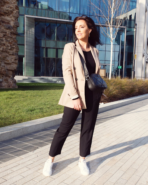casual beige blazer outfit over 40 style