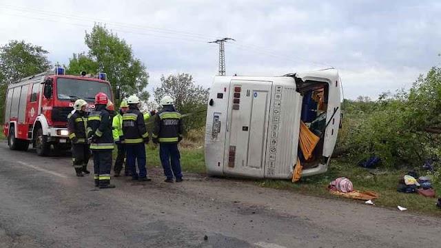 Három embert gyanúsított meg a rendőrség a tótkomlósi horror buszbaleset ügyében