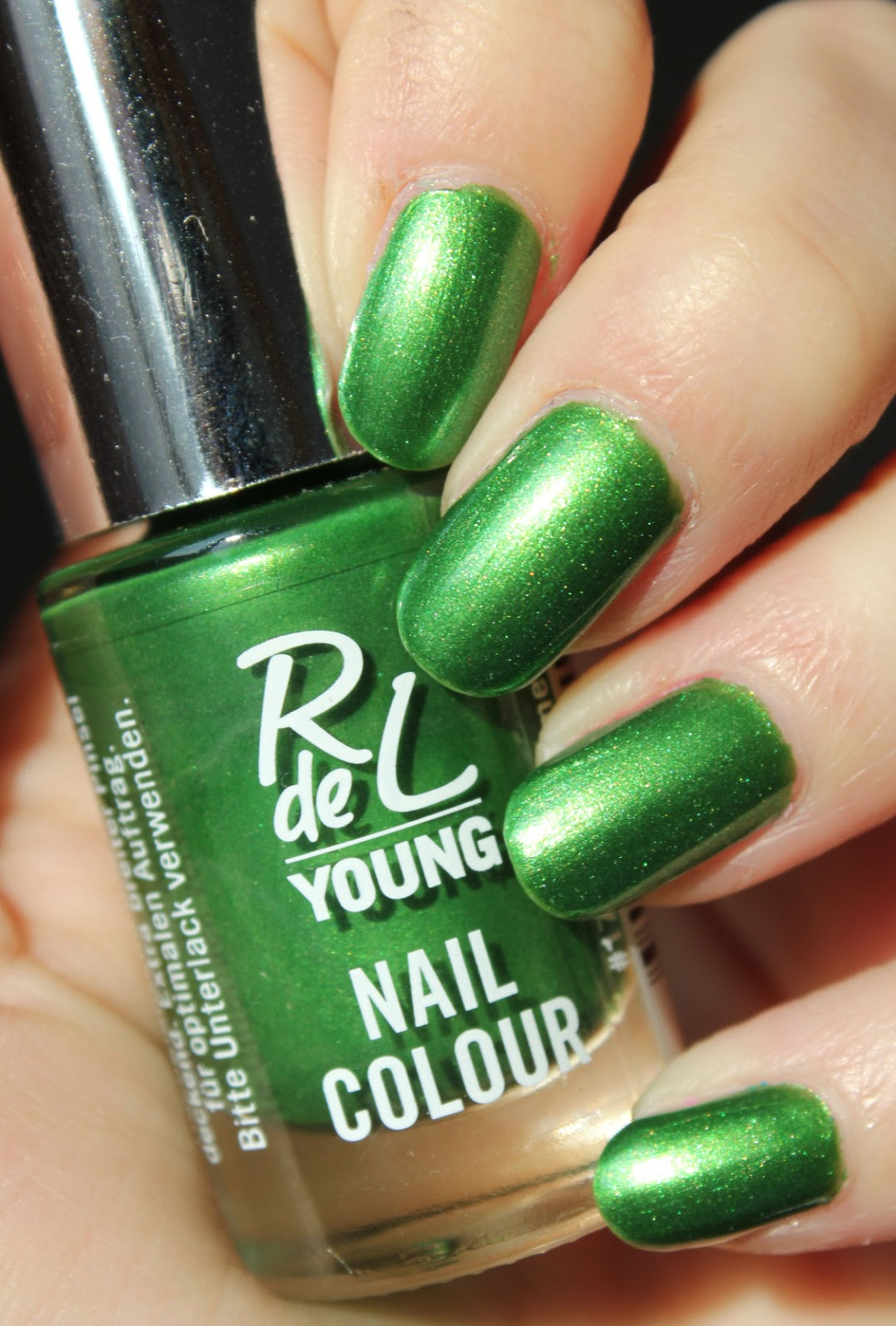 http://lacquediction.blogspot.de/2014/05/rival-de-loop-young-nail-colour-17.html