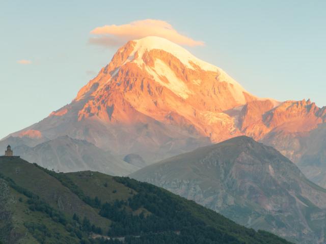 Wisata Satu Minggu Di Negara Kaukasus, Georgia, Azerbaijan dan Armenia